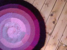 Ravelry: Knitting a Centre-Outwards Spiral by Elizabeth Jarvis