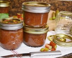 Easily freeze rhubarb for the winter with these four rhubarb freezing techniques. Also enjoy a recipe video teaching how to make rhubarb jam. Frozen rhubarb tips. Rhubarb Uses, Freeze Rhubarb, Rhubarb Jam Recipes, Rhubarb Rhubarb, Freezer Jam, Canning Recipes, Food Videos, Frozen, Keto