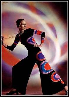 Louis Féraud, L'Officiel Décembre 1969 © Roland Bianchini 60s And 70s Fashion, Mod Fashion, Colorful Fashion, Vintage Fashion, Fashion Trends, Guy Laroche, Vintage Chic, Mode Vintage, Louis Féraud