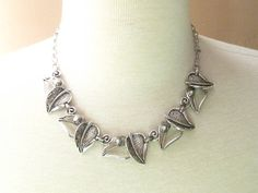Vintage Signed Sarah Coventry Silver Bold Leaf Statement Necklace Windsong