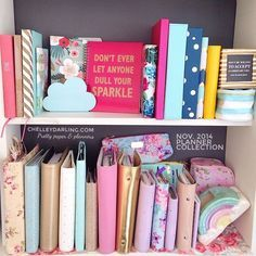 I am SOOO jeslous of  Chelley Darling's Planner Collection