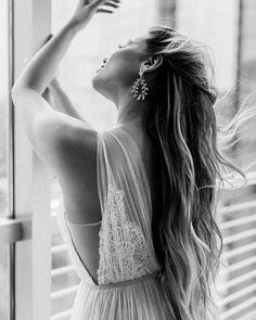 "ONE & ONLY BRIDAL on Instagram: ""This look 😍 boho glam │ Dress: $1,700 │ Earrings: $260 . . . #oandobride #wedding #weddingdress #bridalstyle #designer #bohoweddingdress…"" Boho Bridal Hair, Boho Wedding Dress, Bridal Style, Wedding Dresses, Bridal Hair Inspiration, Look Boho, Earrings, Instagram, Fashion"