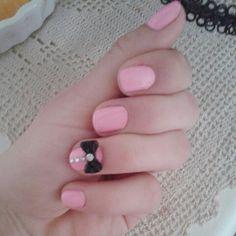 Easy pink nail art