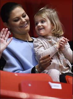 Crown Princess Victoria, Daniel and Estelle enjoy figure skating at the European Figure Skating Championships 1/28/2015