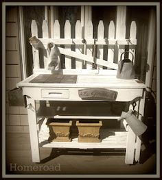 PottingBench  @Gail Regan Truax://www.homeroad.net/2012/03/potting-bench.html