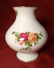 1962 Royal Albert OLD COUNTRY ROSES England Flower Bulbous Bud Vase