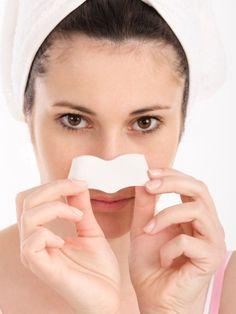 Deine Poren nerven dich? Du willst unbedingt makellose Haut? Dann haben wir 5 einfache Tricks für porenfreie Haut, ohne viel dafür zu tun.