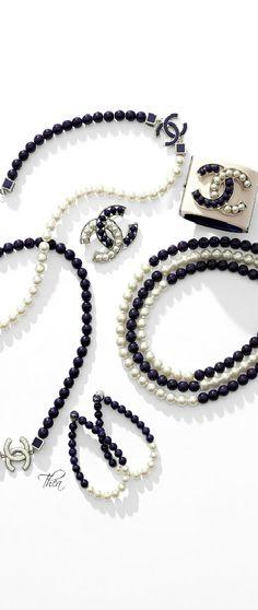 bce209d4017a Bijoux Chanel Collier Court, Bijoux Chanel, Mode Noir, Broderie Perles,  Maquillage,