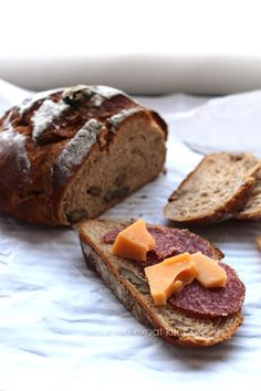 My Little Expat Kitchen: Rye bread (+ rye bread with walnuts and sun-dried tomatoes)