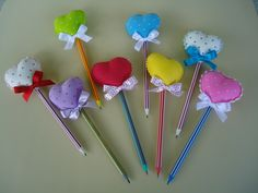 Easy Valentine Crafts, Valentines, Sleepover Crafts, Pen Toppers, Diy Couture, Foam Crafts, Felt Toys, Felt Art, Felt Ornaments