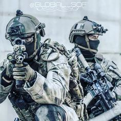 Military Careers, Military Weapons, Military Army, Army Helmet, Tactical Helmet, Future Soldier, Swat, Special Forces, Character Concept