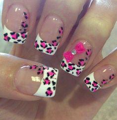 So cute. Pink cheetah nails