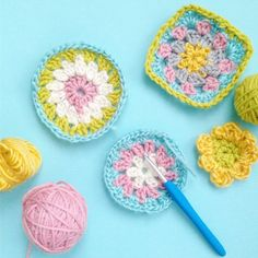 Use up those leftover yarn balls to create a set of beautifully colorful crochet coasters. Video instructions included @smilingcolorsblog
