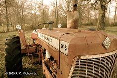 old Allis-Chalmers tractor Vintage Tractors, Old Tractors, Farm Boys, Country Boys, Legend Of Bagger Vance, Tractor Nursery, Allis Chalmers Tractors, Sketch Ideas, Farm Gardens