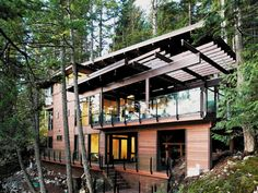 'Mountain modern' new vogue in vacation homes. Latest in second homes sees updated style hit the base of ski slopes. #cottage