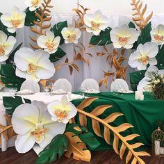 Giant Paper Flowers, Big Flowers, Wedding Flowers, Flower Decorations, Wedding Decorations, Crepe Paper Flowers Tutorial, Art Folder, Flower Wall, Paper Art