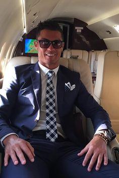 world premier style - Recherche Google Ronaldo Cristiano Cr7, Meilleurs  Joueurs De Football, Équipe d85df6ee871