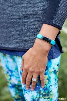 Fitbit Alta keeps you in touch, on-the-go with smartphone notifications and fitness features at a glance.