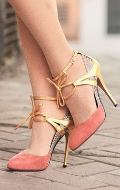 How can there be so many shoes that I love....here's one more pair.