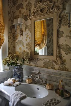 The Enchanted Home: Fall in the Hamptons and taking a little bit home.......