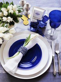 décoration de table pour mariage ou pour Noël en blanc et bleu