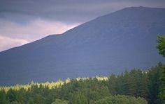 Уральские горы. Южный Урал, горный массив Иремель перед дождем, пейзаж