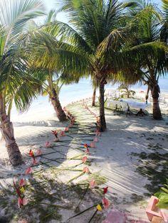 Hatchet Caye will make your dream Belize destination wedding into a reality. #hatchetcaye #belize #weddings