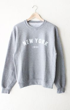 New York Oversized Sweatshirt - Grey from NYCT Clothing. Shop more products from NYCT Clothing on Wanelo. Mode Outfits, Winter Outfits, Casual Outfits, Fashion Outfits, Fashion Styles, Disney Fashion, Ootd Fashion, Sweater Jacket, Grey Sweater