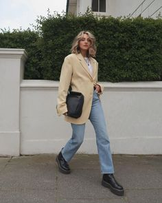 Dr Martens Boots, Dr. Martens, Gorgeous Hair, Chloe, Short Hair Styles, Normcore, Blazer, Jeans, Casual