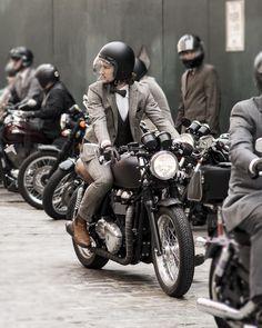 ' — Cafe Racer Gentleman's Essentials Triumph Cafe Racer, Triumph Bikes, Cafe Racer Bikes, Estilo Cafe Racer, Cafe Racer Style, Motorcycle Style, Motorcycle Outfit, Enfield Motorcycle, Motorcycles