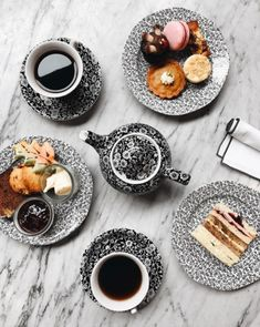 black and white floral dishware at the allis. Breakfast For A Crowd, Food For A Crowd, Breakfast Recipes, Breakfast Photography, Food Photography, Healthy Muffins, Coffee Latte, Oatmeal Recipes, Latte Art