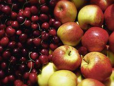 Tanja Riedel: Frischer Genuss Äpfel und Kirschen Leinwandbilder