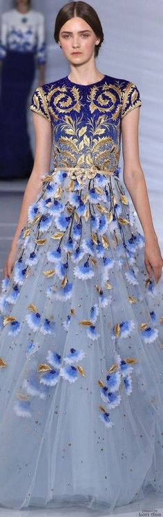 Georges Hobeika Couture Fall 2015 catwalk high fashion blue and gold dress Look Fashion, Runway Fashion, High Fashion, Fashion Clothes, Lolita Fashion, Fashion Pants, 90s Fashion, Dress Fashion, Trendy Fashion
