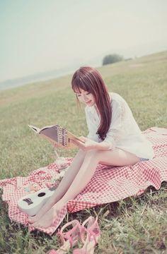 BookGirls 読書少女 — (via Kim shin yeong Cute Girl Pic, Cute Girls, Cool Girl, Girl Pictures, Girl Photos, Asian Fashion, Girl Fashion, Ulzzang Korean Girl, Cute Poses