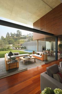 S House by Domenack Arquitectos can be described as a modern interplay of indoor and outdoor living spaces. Interior Architecture, Interior Design, Design Design, Minimal Architecture, Indoor Outdoor Living, Outdoor Dining, Modern House Design, Beautiful Homes, Beautiful Space