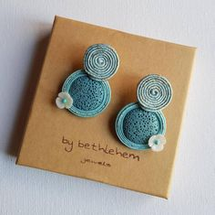 Quilling Paper Craft, Paper Crafts, Silk Bangles, Soutache Earrings, Embroidery Jewelry, Fabric Jewelry, Shibori, Diy Art, Jewelry Making