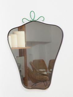 Specchio cornice ottone con decorazione