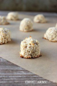 A 21 Day Sugar Detox friendly treat that taste like a delicious cross between banana bread and coconut macaroons!