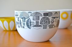 Arabia of Finland Kaj Franck Mushroom Enamel Large Midcentury Bowl, Near Mint: Vintage Scandinavian Design