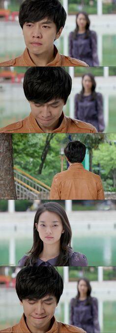 Dae Woong lleva a Miho a la fuente que le gusta, pero está en reparación hasta mañana. Él se pone triste - My Girlfriend is a Gumiho Ep 16