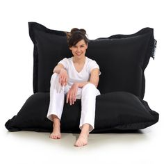 Pufa Matt Ress to duża pufa w kształcie wielkiej poduszki. Doskonała do… Floor Chair, Furniture, Design, Home Decor, Decoration Home, Room Decor, Home Furnishings, Home Interior Design