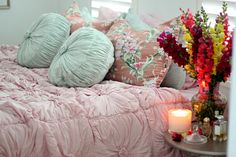 .......and so to bed.  Pinks and mint green.