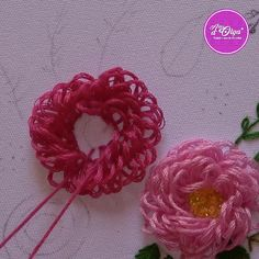 Brazilian Embroidery Stitches, Hand Embroidery Videos, Embroidery Stitches Tutorial, Creative Embroidery, Simple Embroidery, Hand Embroidery Designs, Embroidery Techniques, Ribbon Embroidery Tutorial, Hand Embroidery Patterns Flowers