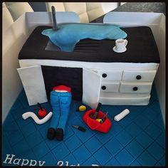 Plumbers cake #plumbercake #mancake #noveltycake #21st