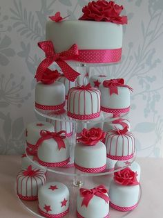 Louisville Wedding Blog - The Local Louisville KY wedding resource: Adorable Mini Wedding Cake Ideas