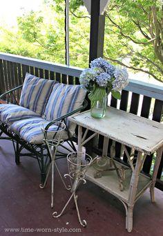 Side table on porch. Porch Decorating, Decorating Ideas, Door Table, Porch Garden, Outdoor Furniture Sets, Outdoor Decor, Sunrooms, Porch Ideas, Interior Ideas