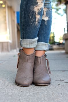Western Zipper Bootie Dorado-11 | uoionline.com: Women's Clothing Boutique #fall #booties #boots
