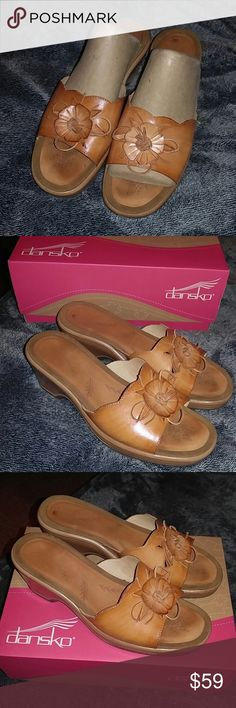 fa0173a6741d PERFECT DANSKO SANDAL S SIZE 40 ❤FINAL MARK DOWN❤ Can barely tell they have  been