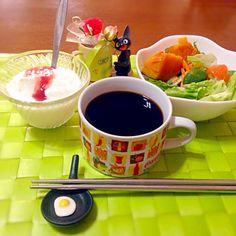 今朝の自宅モーニング  毎晩深酒故に朝食は只管リセットの方向で - 59件のもぐもぐ - サラダ&ヨーグルト☕️ by manilalaki
