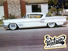 Unidentified 1958 Pontiac mild custom with a slightly off white pearl paint job by Larry Watson. Not long after this Larry would add a thin blue turquoise outline around all the body edges. But this simple version looks so good already! Larry, Cool Old Cars, Pontiac Cars, Old Gas Stations, Cool Trucks, Kustom, Personal Photo, Drag Racing, Toys For Boys